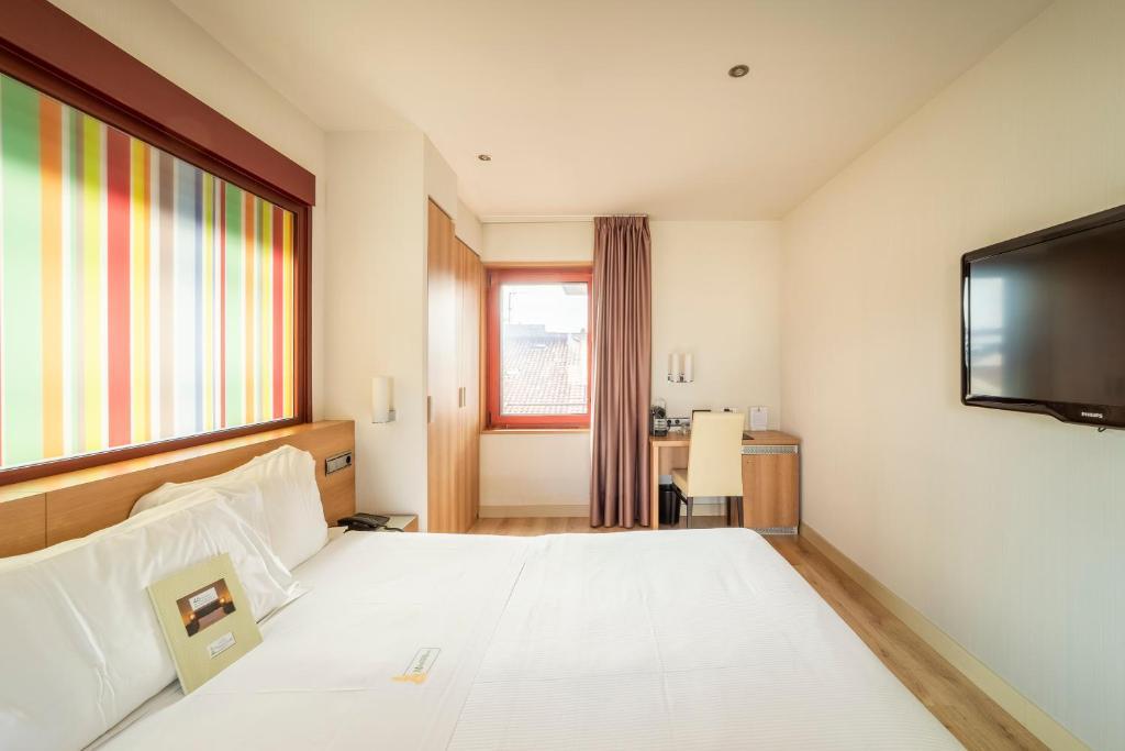 Hotel Maisonnave (España Pamplona) - Booking.com