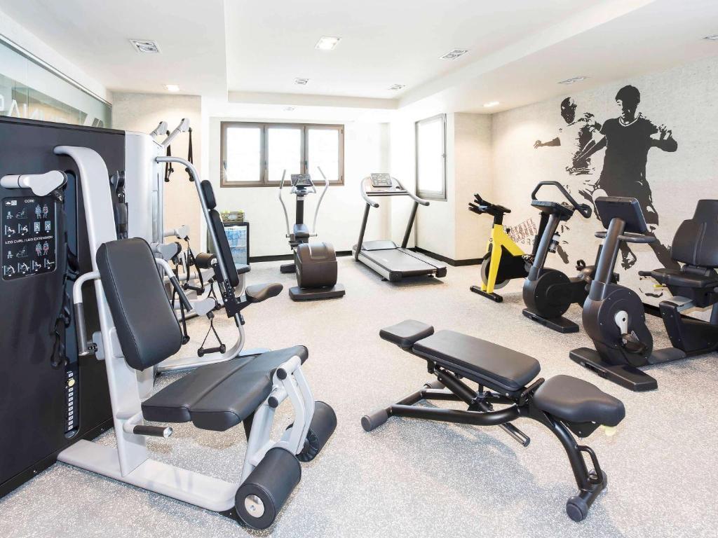 Das Fitnesscenter und/oder die Fitnesseinrichtungen in der Unterkunft Novotel Madrid Center