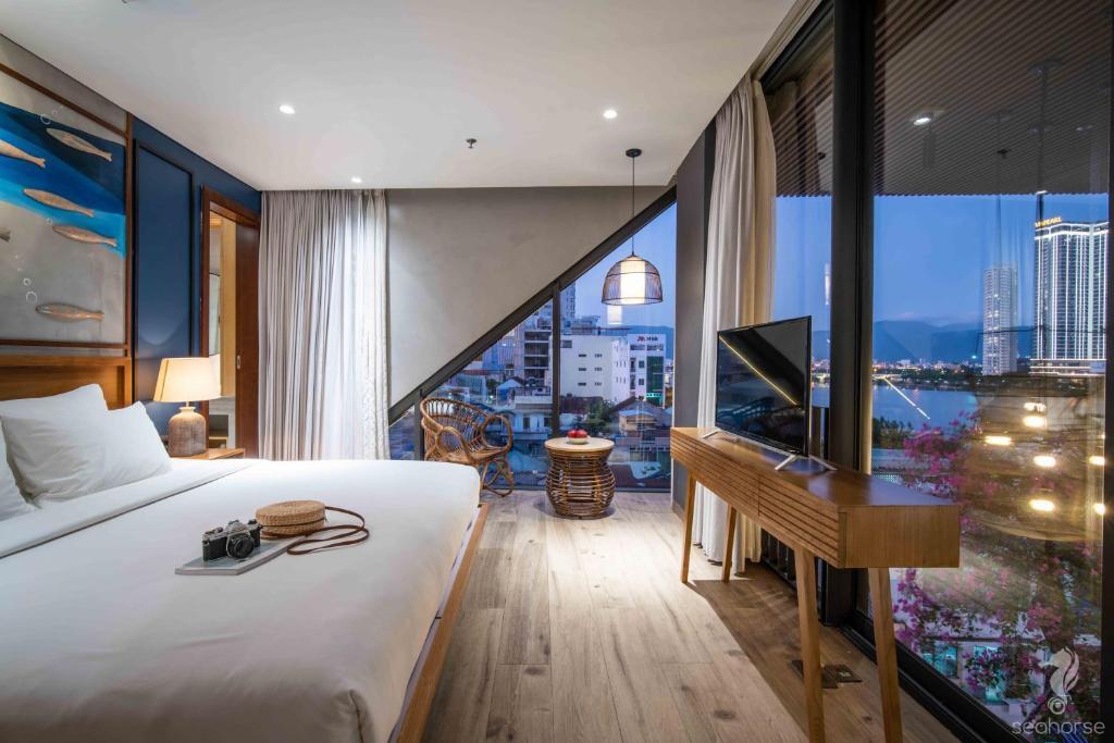 Suite Deluxe Nhìn Ra Toàn Cảnh Sông