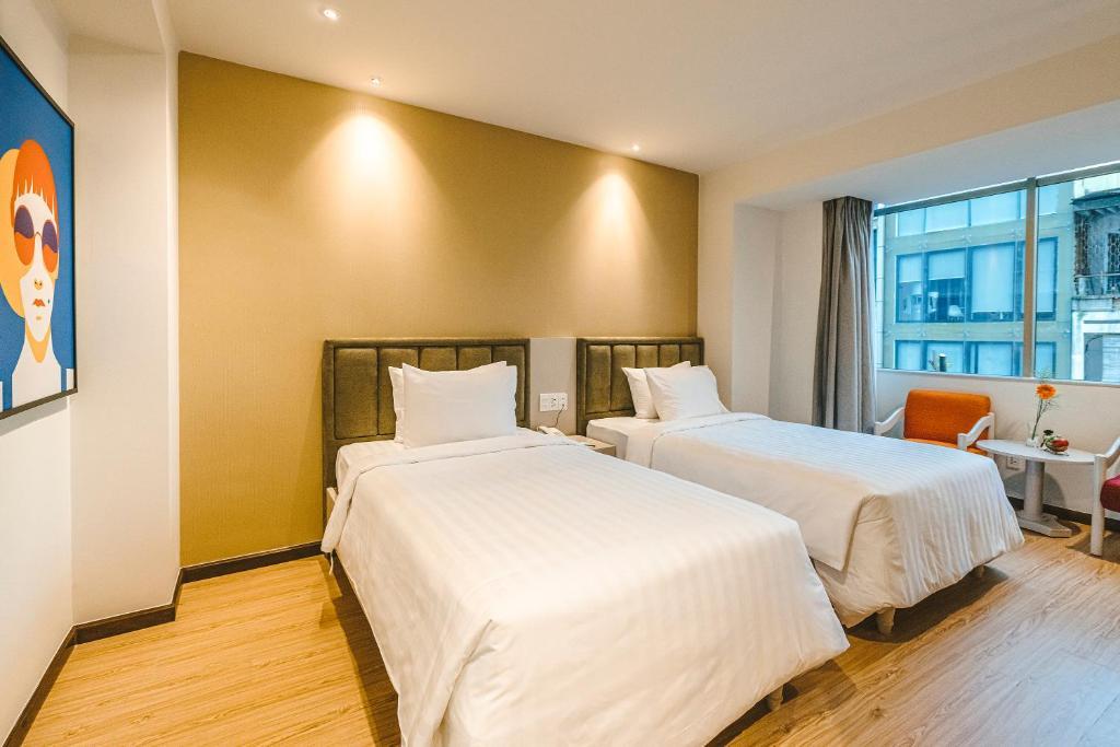 Phòng Grand Deluxe 2 Giường Đơn Nhìn Ra Thành Phố Với Hồ Bơi Trên Sân Thượng