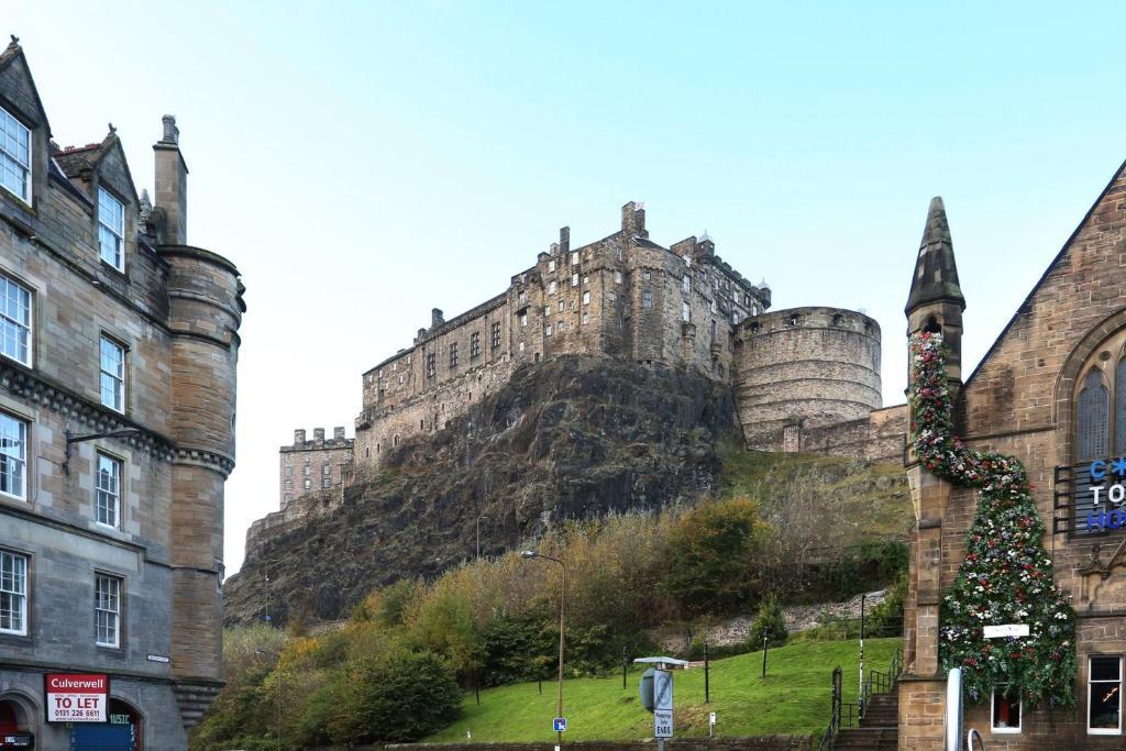 Brand New Apartment Near Edinburgh Castle