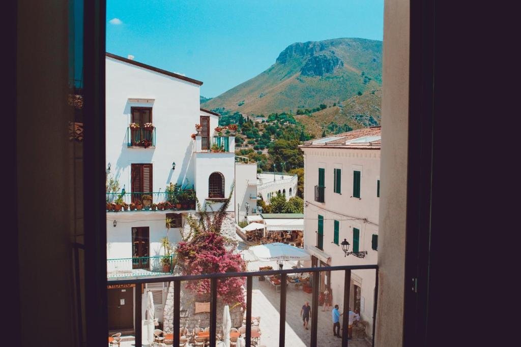 A balcony or terrace at Casa di Andrea Cardi