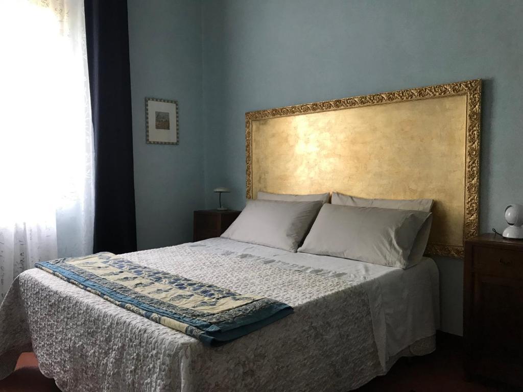 Testata Letto Con Porta Vecchia casa vacanze alla vecchia posta, cavriglia, italy - booking