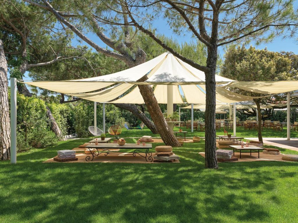 Augustus Hotel Resort Forte Dei Marmi Italy Booking Com