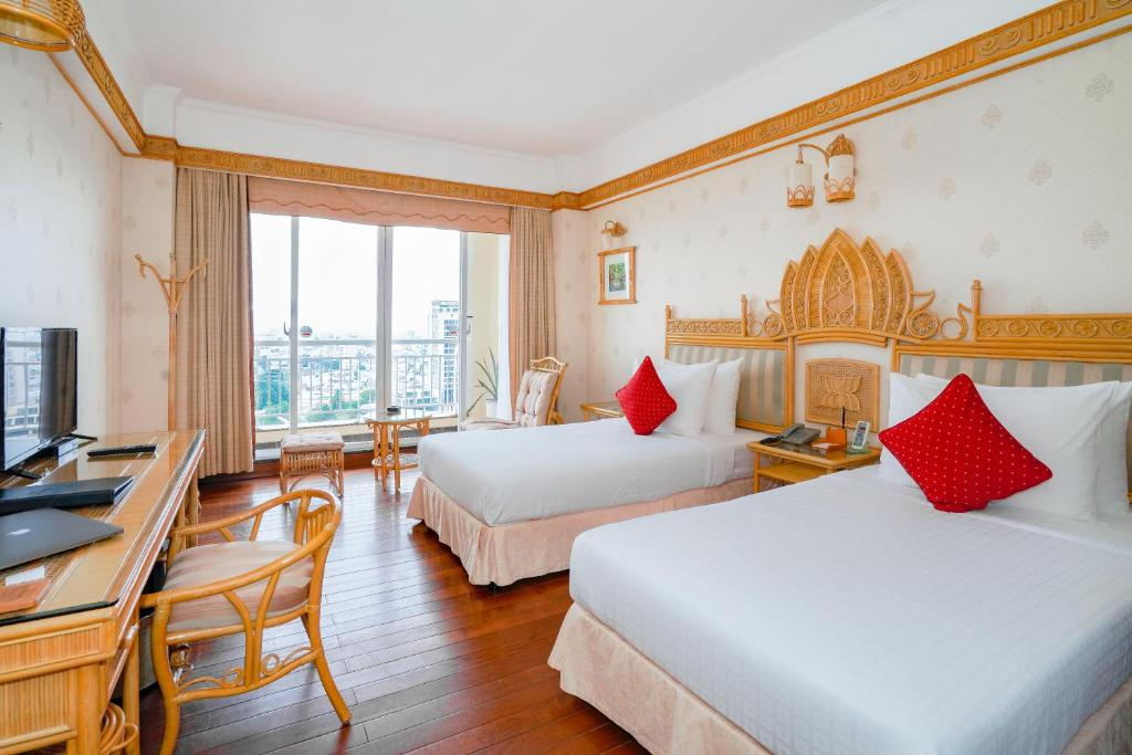 Phòng Deluxe 2 Giường Đơn Có Ban Công Và Tầm Nhìn Ra Sông