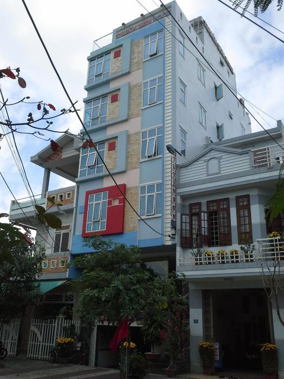 Khách sạn Tuyên Sơn