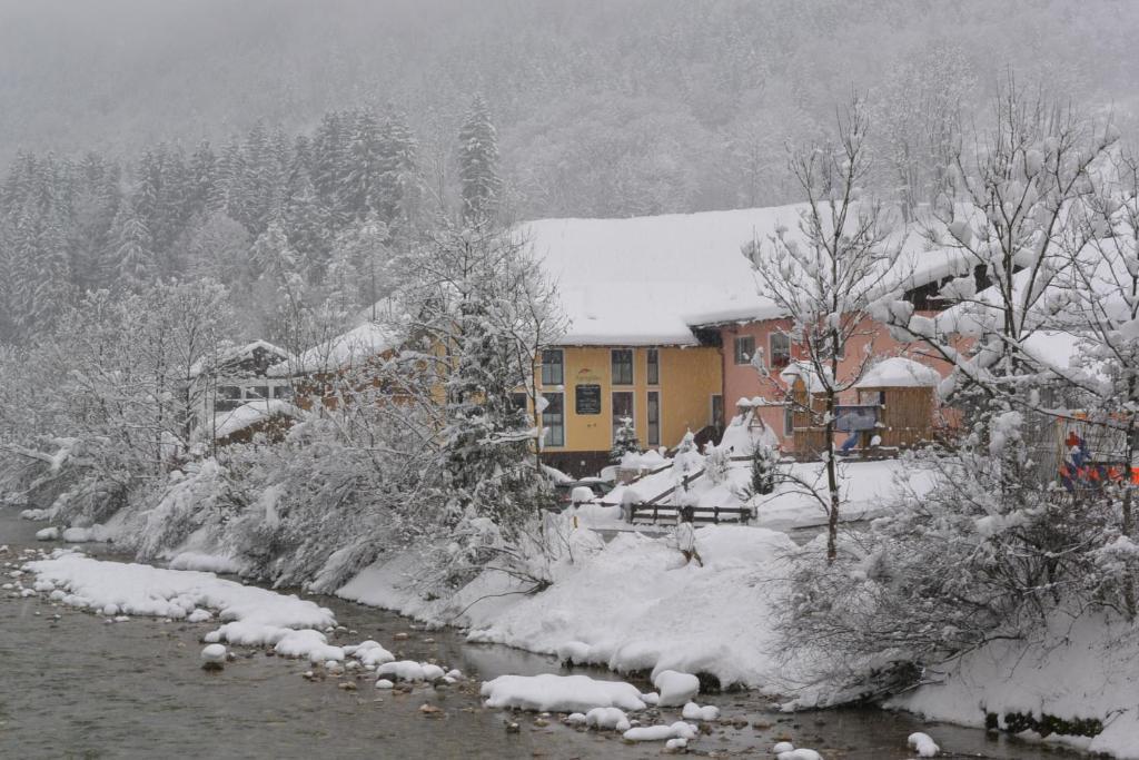 Ferienparadies Alpenglühn during the winter