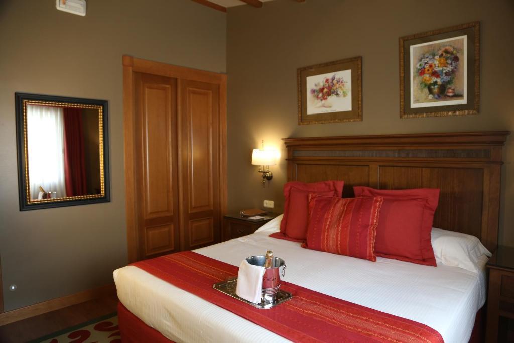 Gran Hotel Los Abetos (España Santiago de Compostela ...