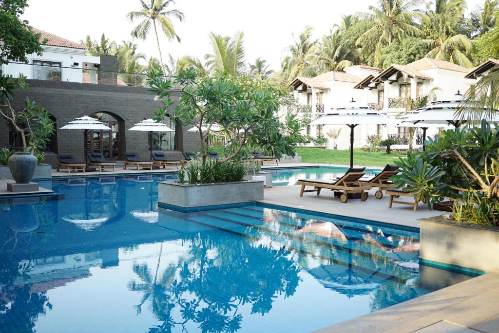The swimming pool at or close to Andores Resort And Spa