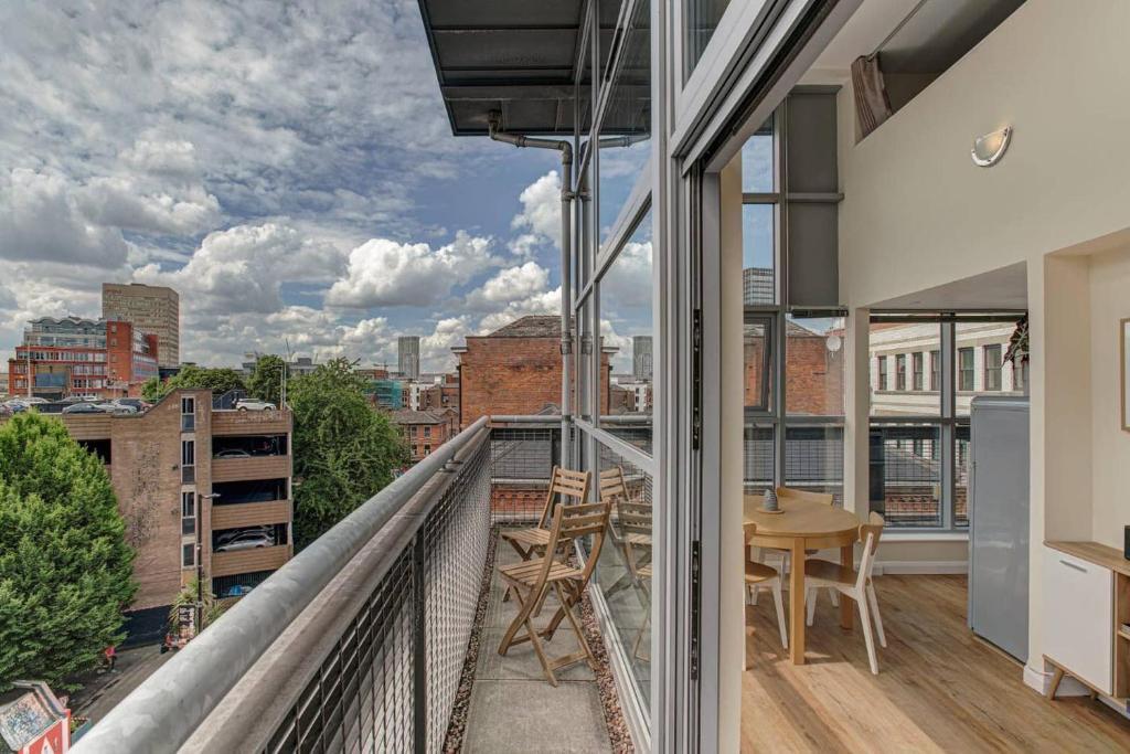 Penthouse Apt For 4, Skyline Views, Central Mcr