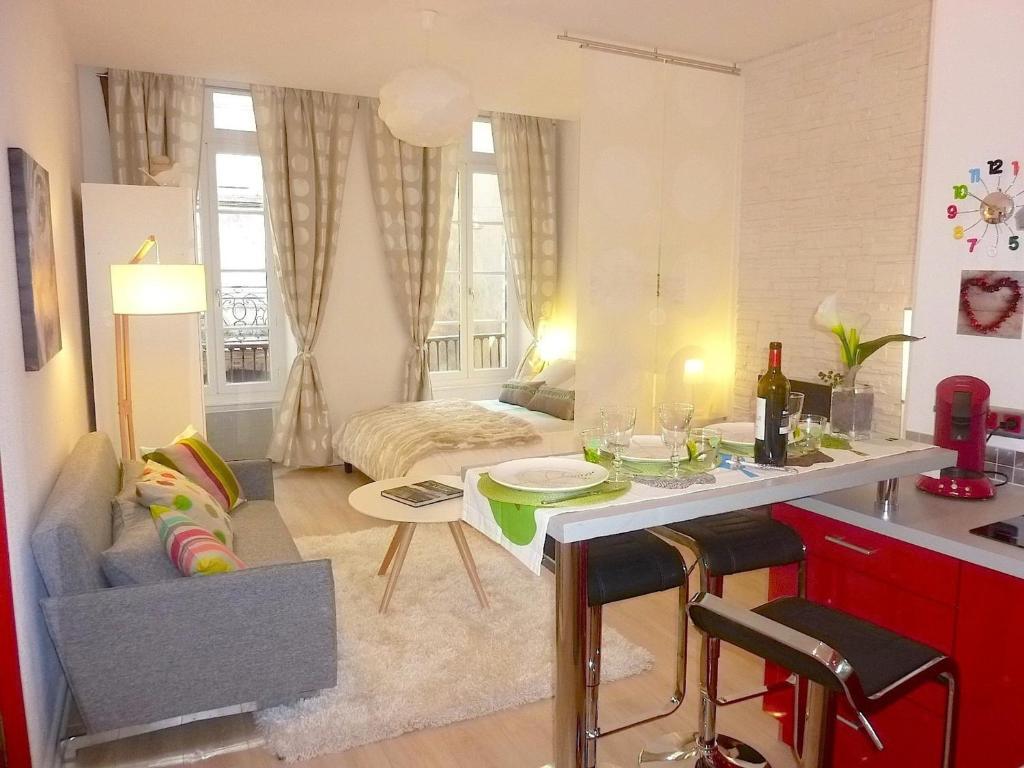 Appartement Princesse Camille (France Bordeaux) - Booking.com
