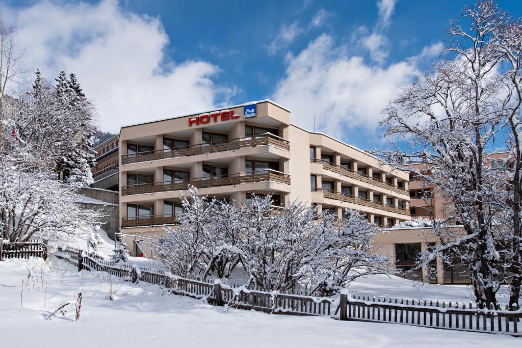 Quadratscha Alpenhotel im Winter