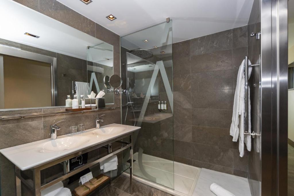 Hotel Artiem Asturias (España Quintueles) - Booking.com