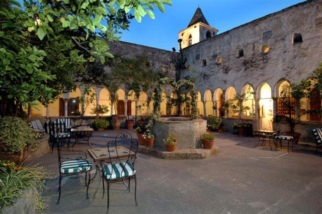A restaurant or other place to eat at Hotel Luna Convento