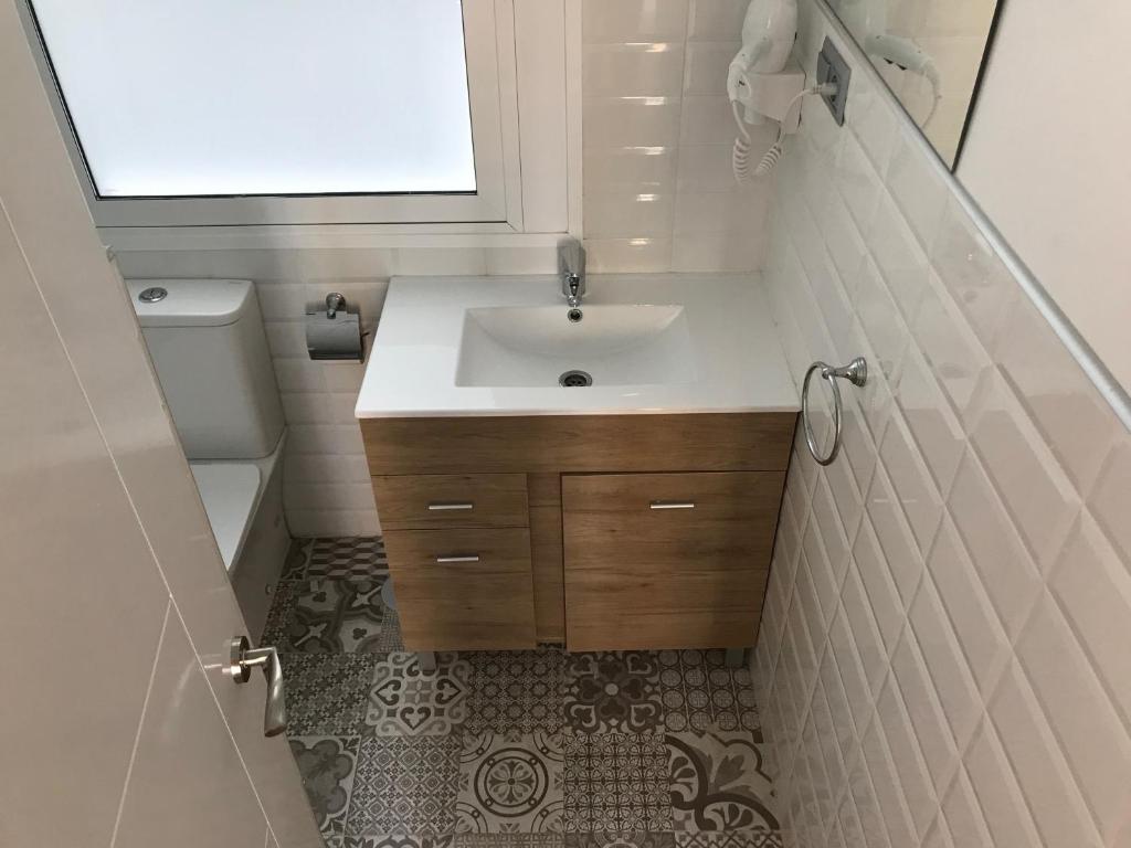 A bathroom at Madrid Premium