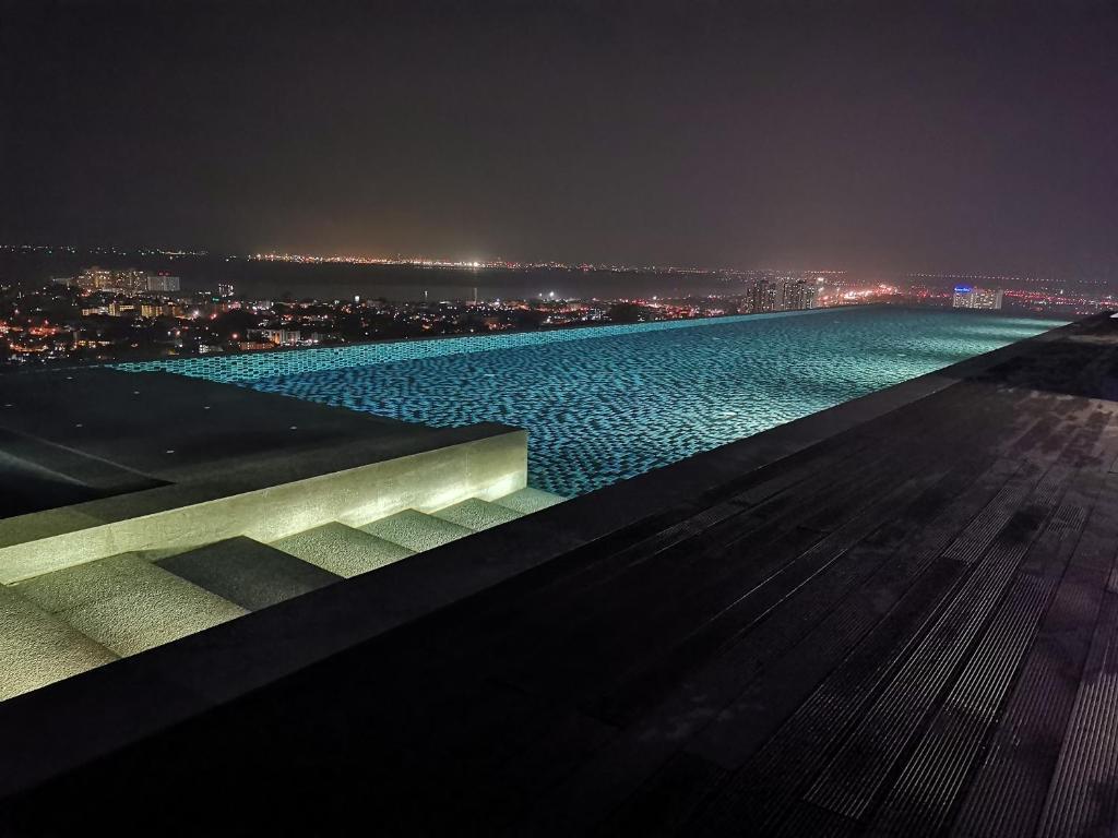 Бассейн в Pattaya Posh Condominium или поблизости
