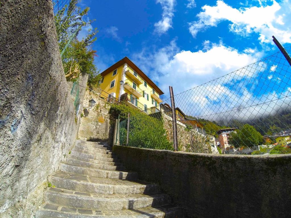 Un Letto A Castello.Apartment Un Letto A Castello Castello Tesino Italy Booking Com