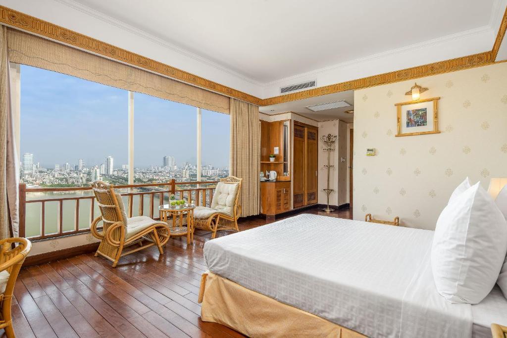 Phòng Deluxe Giường Đôi có Ban công và Tầm nhìn ra Sông