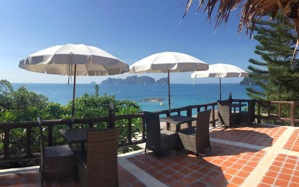A restaurant or other place to eat at HIP Seaview Resort @ Phi Phi