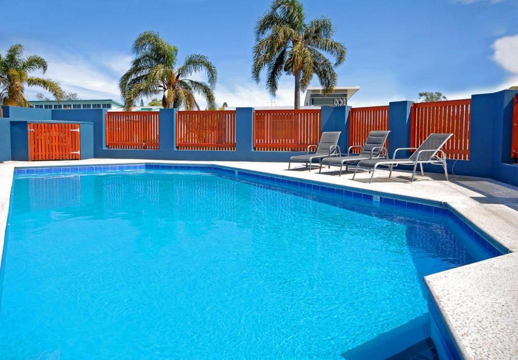 Der Swimmingpool an oder in der Nähe von East Port Motor Inn