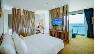 Room #480642816