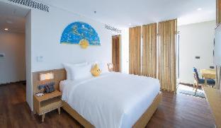 Room #480642818