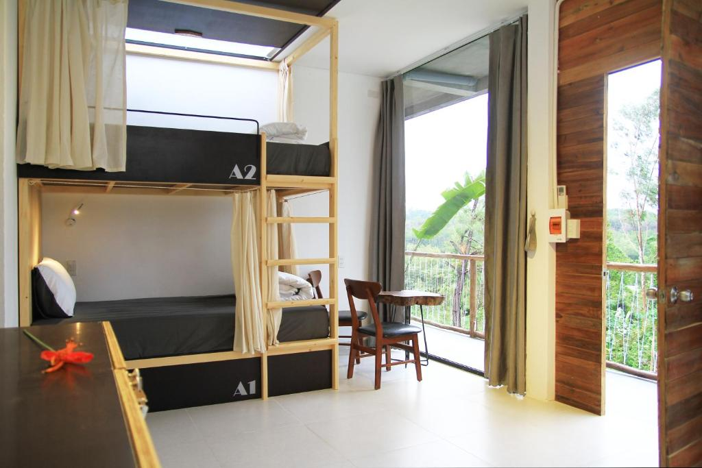 Giường trong Phòng ngủ tập thể 4 người