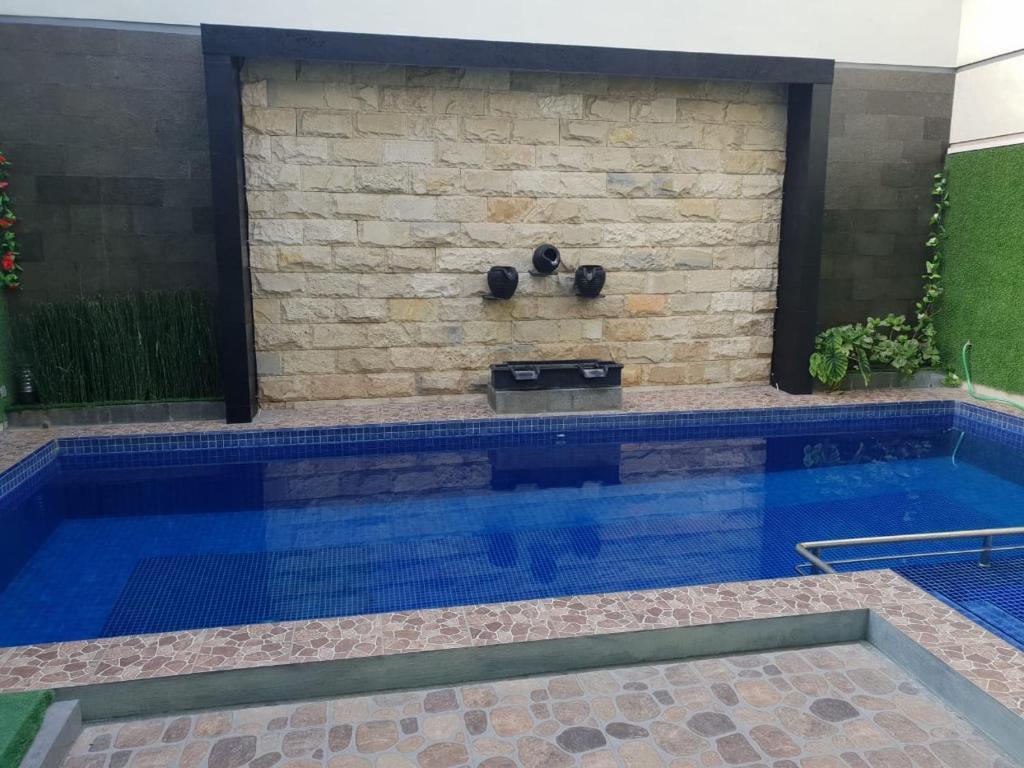 The swimming pool at or close to Villa batu malang