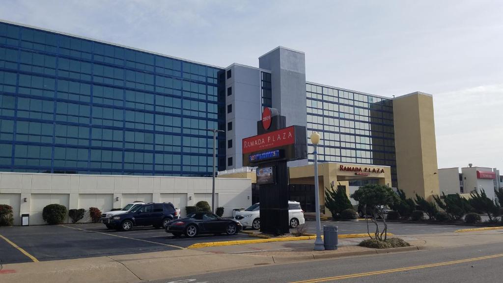 Hotel Ramada Plaza By Wyndham Virginia