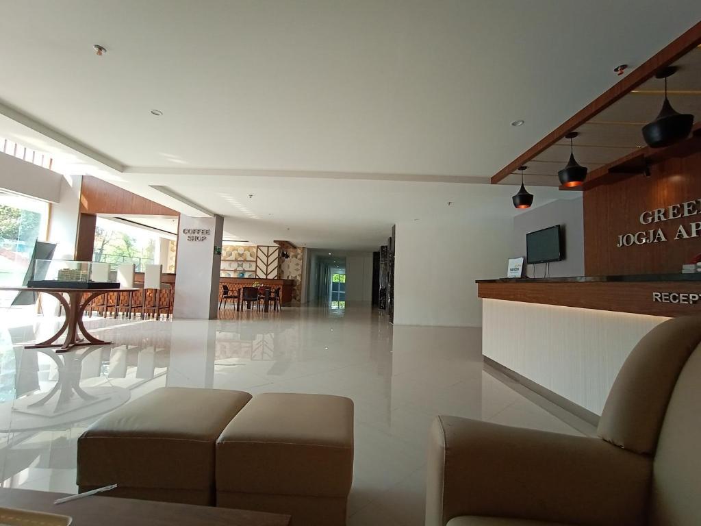 Cozy Room Greenpark Jogja Apartment A518b Yogyakarta