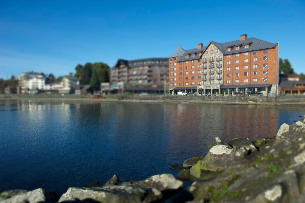 Radisson Hotel Puerto Varas, Chile - Booking.com
