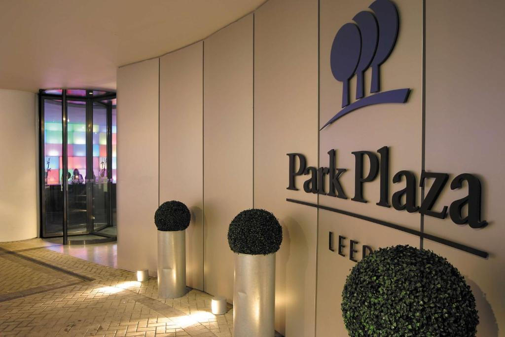 Hotel Park Plaza Leeds Uk Bookingcom