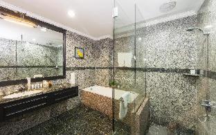 Room #24697509