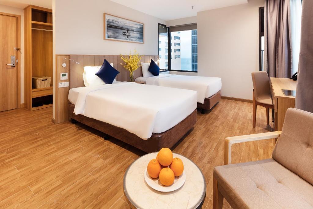Phòng Giường Đôi/2 Giường Đơn Nhìn Ra Biển Ở Mặt Bên