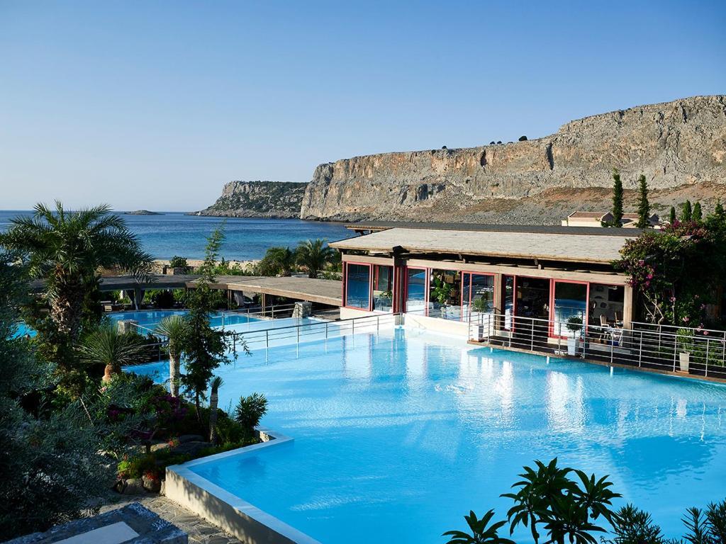 בריכת השחייה שנמצאת ב-Aquagrand of Lindos, Exclusive Deluxe Resort & Spa-Adults only או באזור