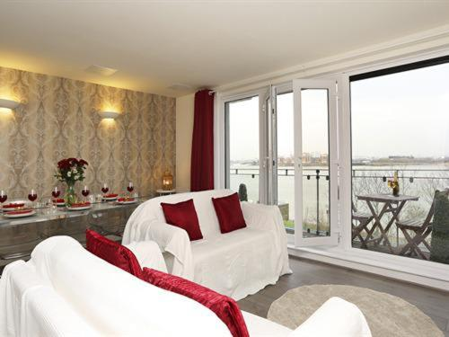 Exclusive Riverview Apartment in London, Greater London, England