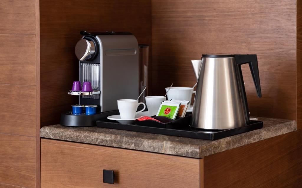 Принадлежности для чая и кофе в Medical Spa Hotel Rosa Springs