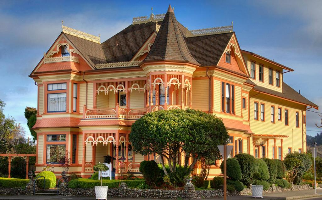 Bed And Breakfast Gingerbread Mansion Ferndale Ca