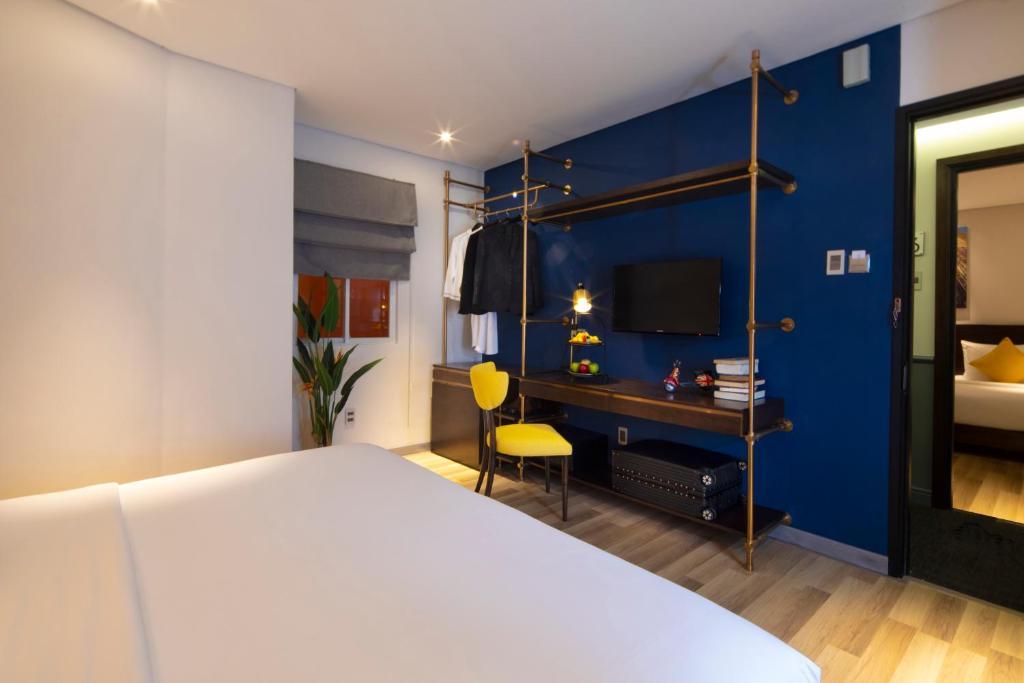 Phòng Deluxe Giường Đôi (Không Có Tầm Nhìn) - Kèm Quyền Sử Dụng Hồ Bơi Trên Sân Thượng & Phòng Xông Hơi Khô