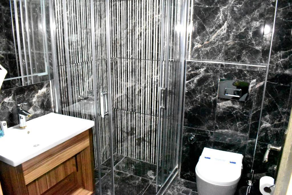 Ванная комната в Dem İstanbul Airport Hotel