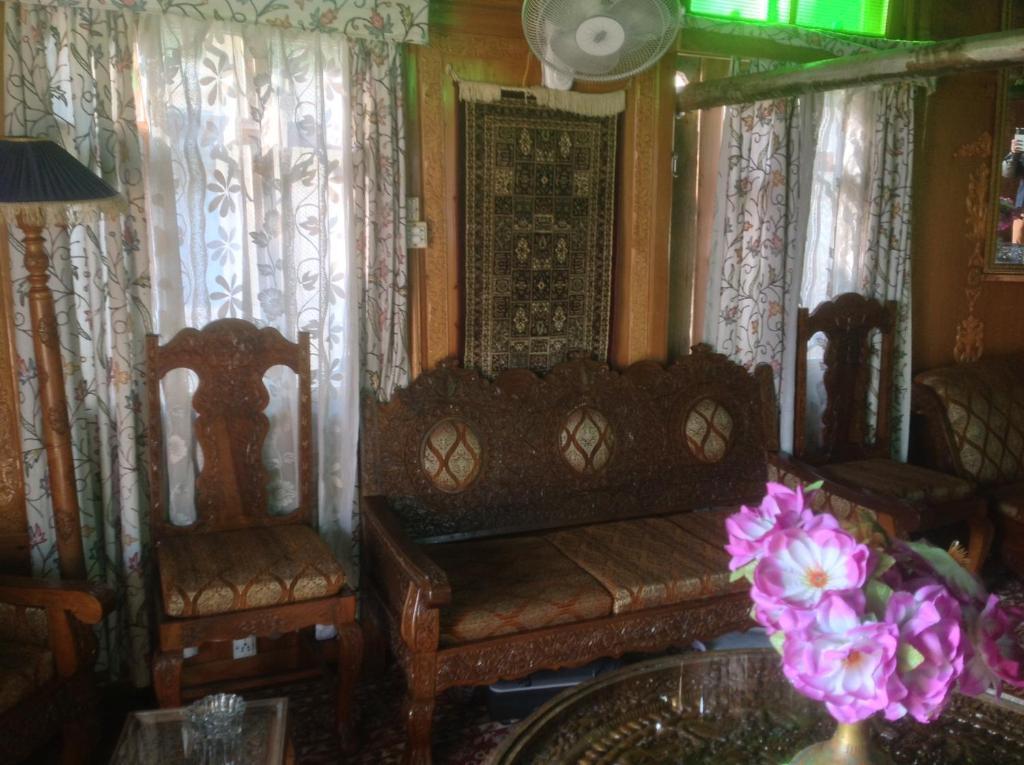 Zona de estar de Shreen Group Of Houseboats