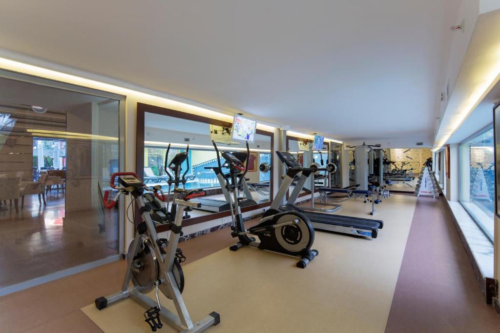Фитнес-центр и/или тренажеры в Alaiye Kleopatra Hotel