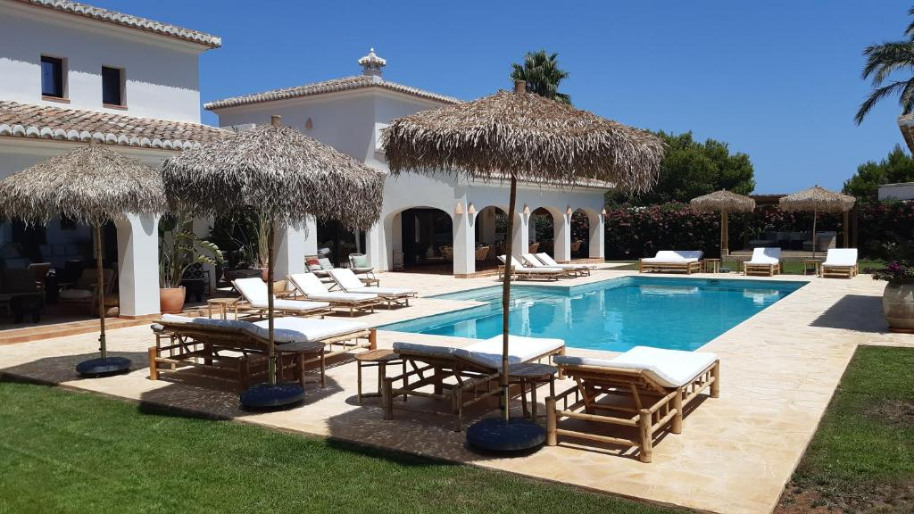 The swimming pool at or near The Adelante House