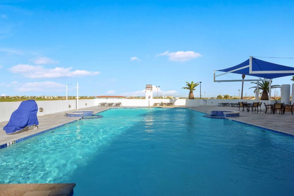 The swimming pool at or near Beachfront Port Aransas Condo w/ Pool Access!