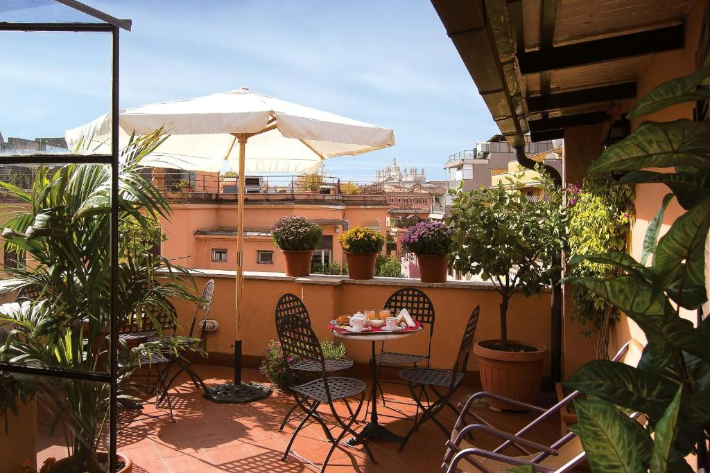 A balcony or terrace at Hotel Novecento