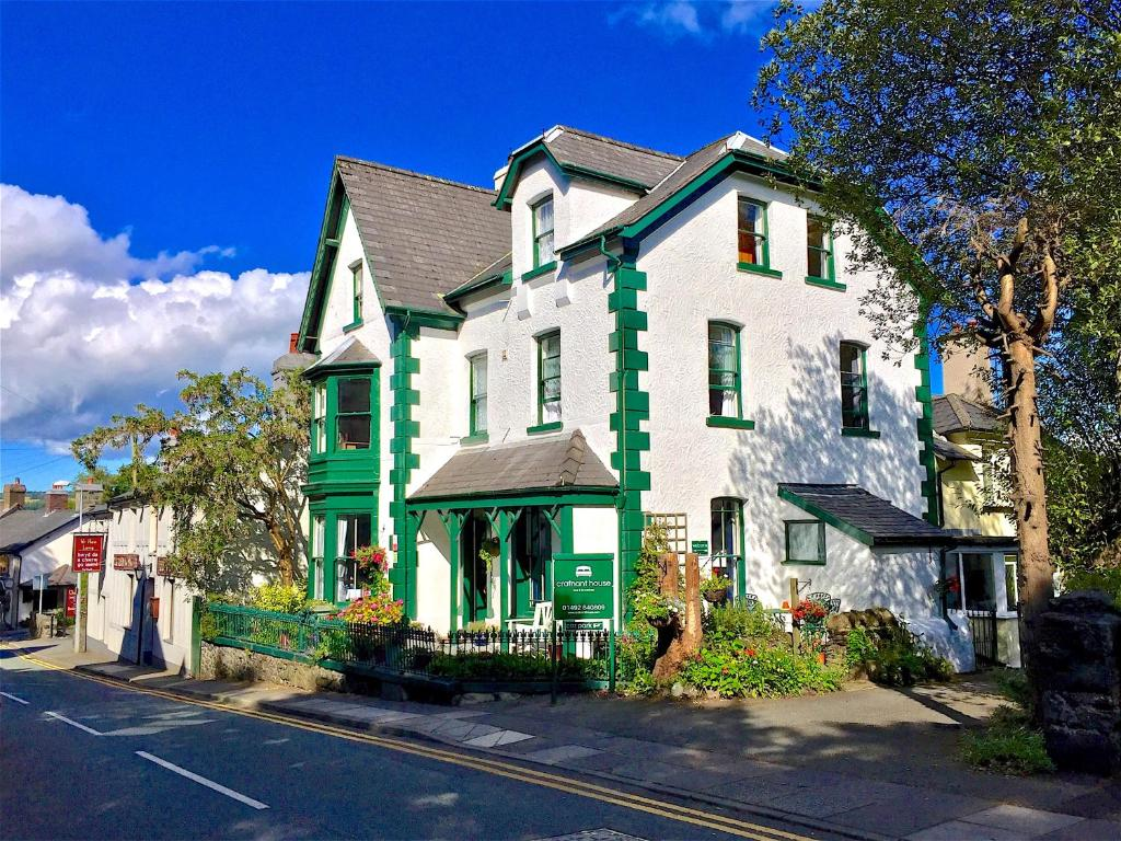 Crafnant Guest House in Trefriw, Conwy, Wales