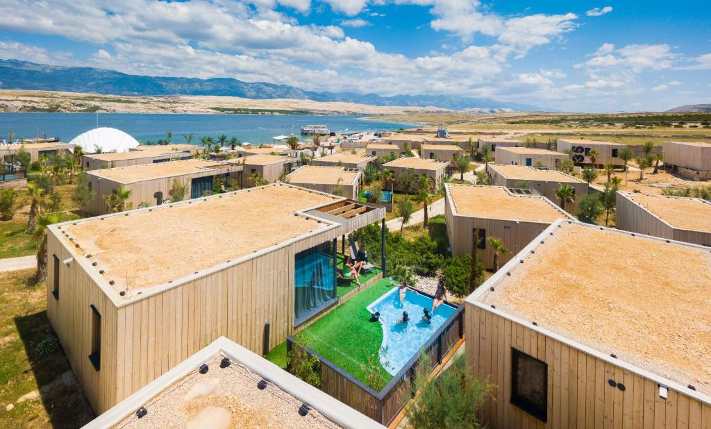A bird's-eye view of Noa Glamping Resort