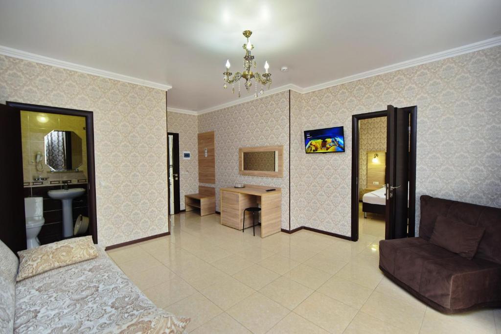 Гостиная зона в AsTerias Hotel
