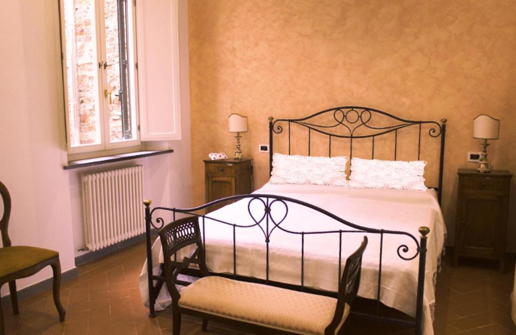 Cucina Soggiorno Camera Da Letto.Anfiteatro House Con 2 Camere Da Letto Cucina Con Terrazzino E