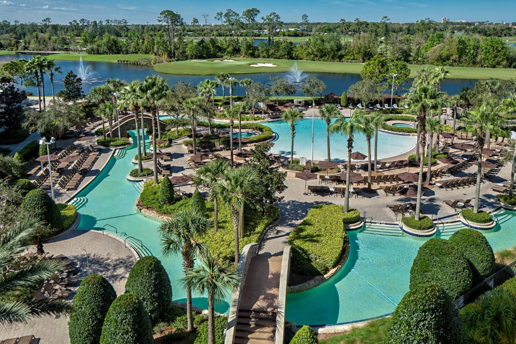 A view of the pool at Hilton Orlando Bonnet Creek or nearby